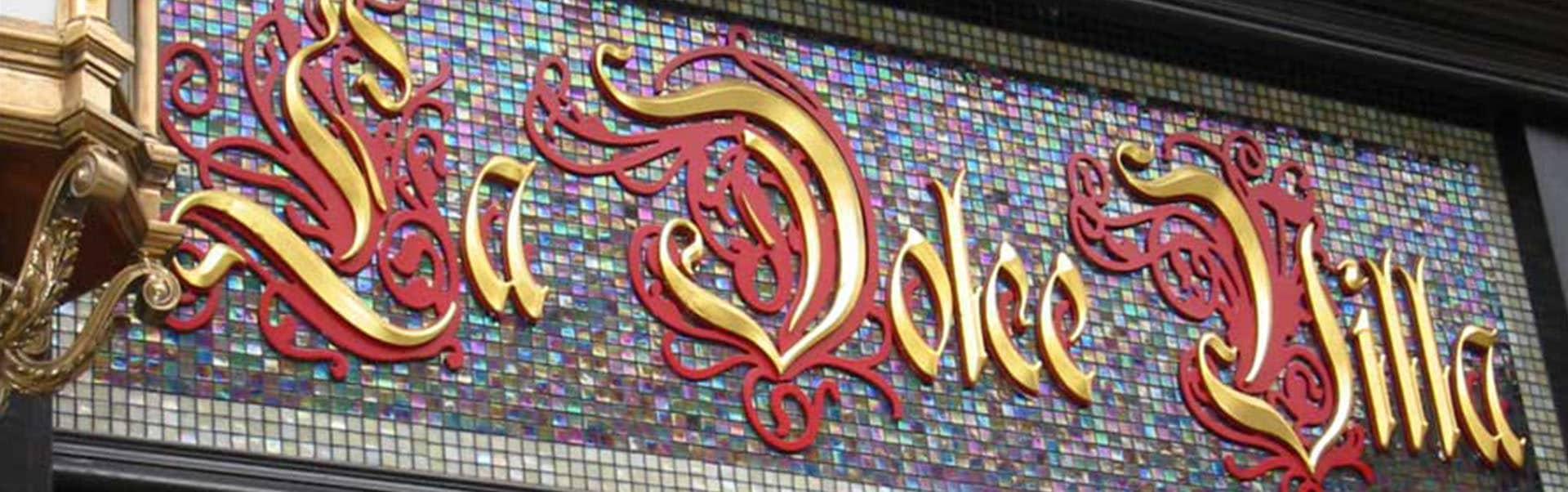 La Dolce Villa | Gold Leaf Lettering