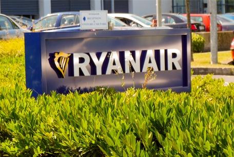 Ryanair | Outdoor Sign